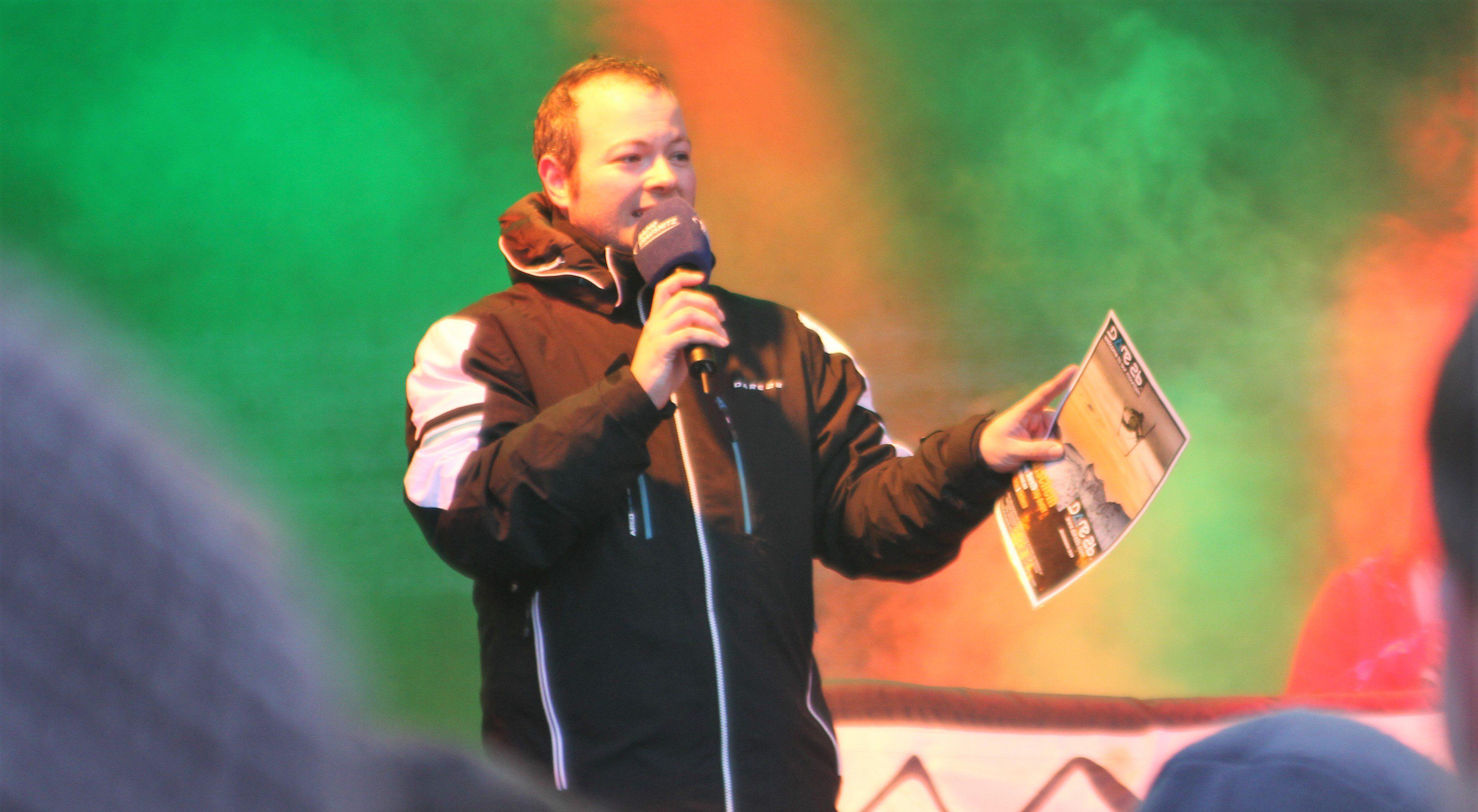 Max Foerster moderiert die Radio Trausnitz und Radio Galaxy Schneetour